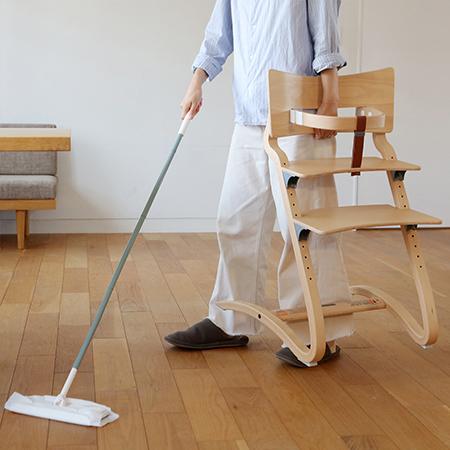 軽いのも特徴。さっと持ち上げて掃除、部屋の中を移動が楽々です