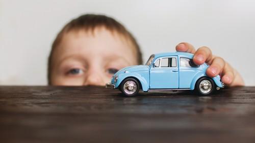 ベビー&キッズの車生活に! 必須&あったら便利な、車用アイテムって?