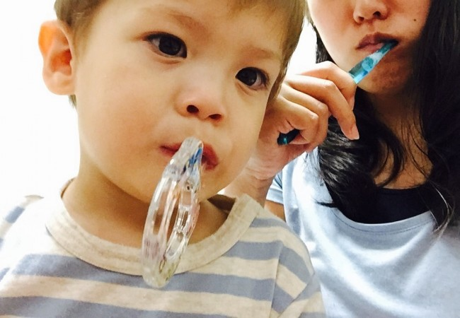 家族揃って歯磨きタイム! まずは楽しむこと!
