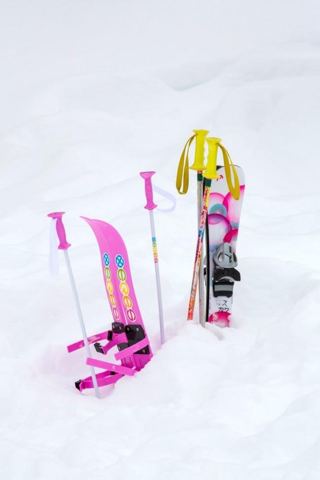子ども用の小さなスキー、かわいいですよね!
