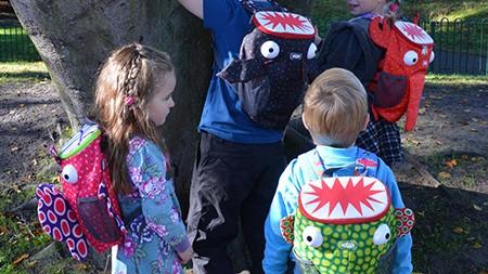 初詣や人が多い場所へのおでかけは! 迷子防止や安全対策に、子どもを守るハーネス付きリュックを使ってみました