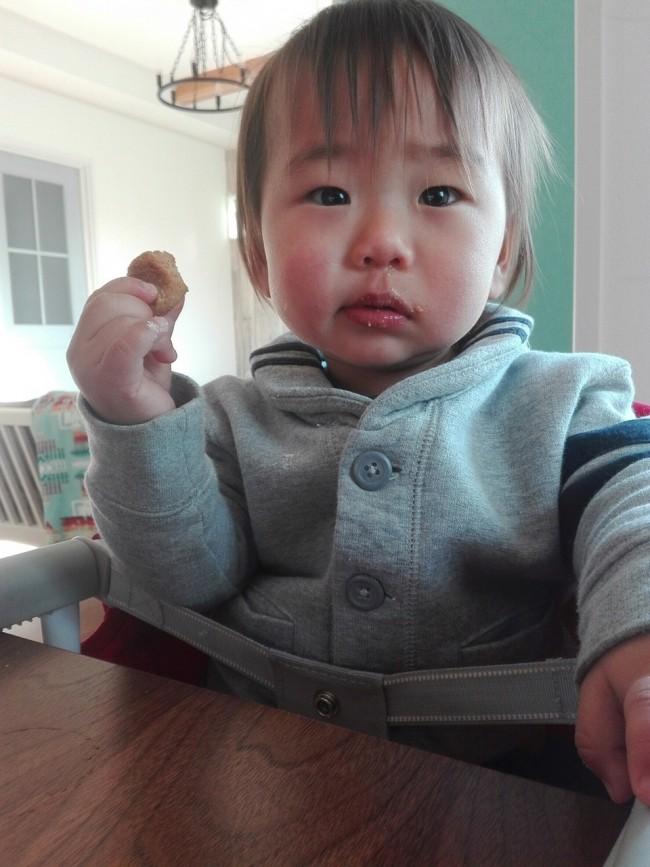 赤ちゃんでもパクパク食べられる、「きなこ」を使ったおやつです♪