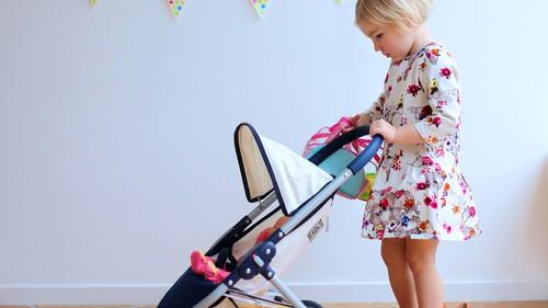 私はちいさなママ!  お世話遊びのおもちゃは何を買う?