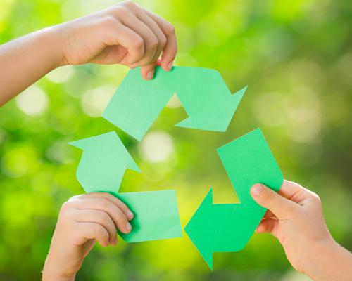 捨てるのはもったいないけれど、子どもはどんどん大きくなります。賢く、地球にやさしくリサイクルしたいものですね