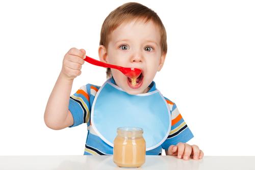 ミルクや離乳食を持ち歩くママ、まだまだ食中毒などに気をつけて!
