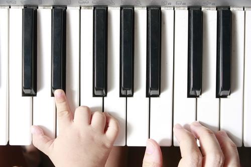 音楽にふれることで、楽器への興味もわいてきそうですね♪