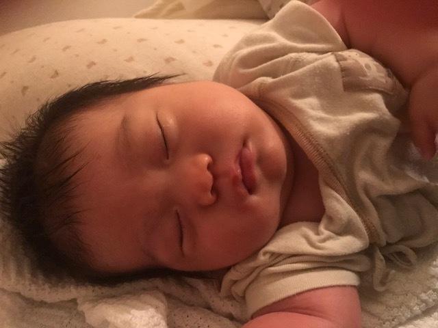 授乳量が増えると間隔が空き、寝る時間もすこしずつ長くなります