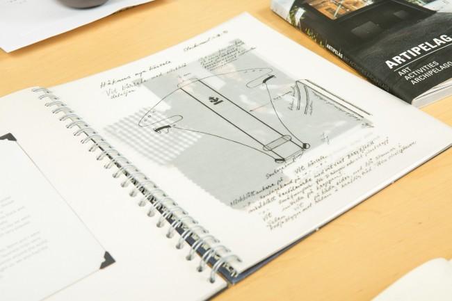デザイナーとして現役の、リリモア・ヤコブソン氏のスケッチ。ビョルンオリジナルは発売当初から売れ続けている