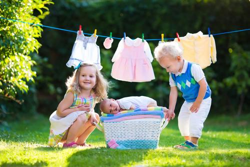 子どもが増えれば増えるほど、洗濯物も増量します。洗い分け、してますか?