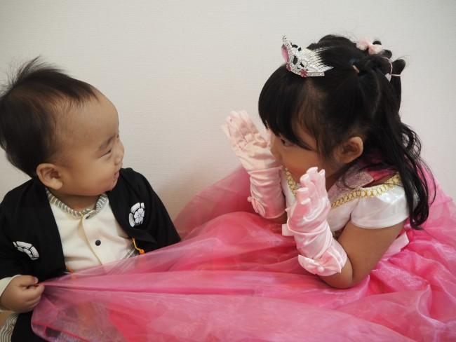 4歳差の姉と弟。男女ベビーの違いに、驚きと感心の毎日です