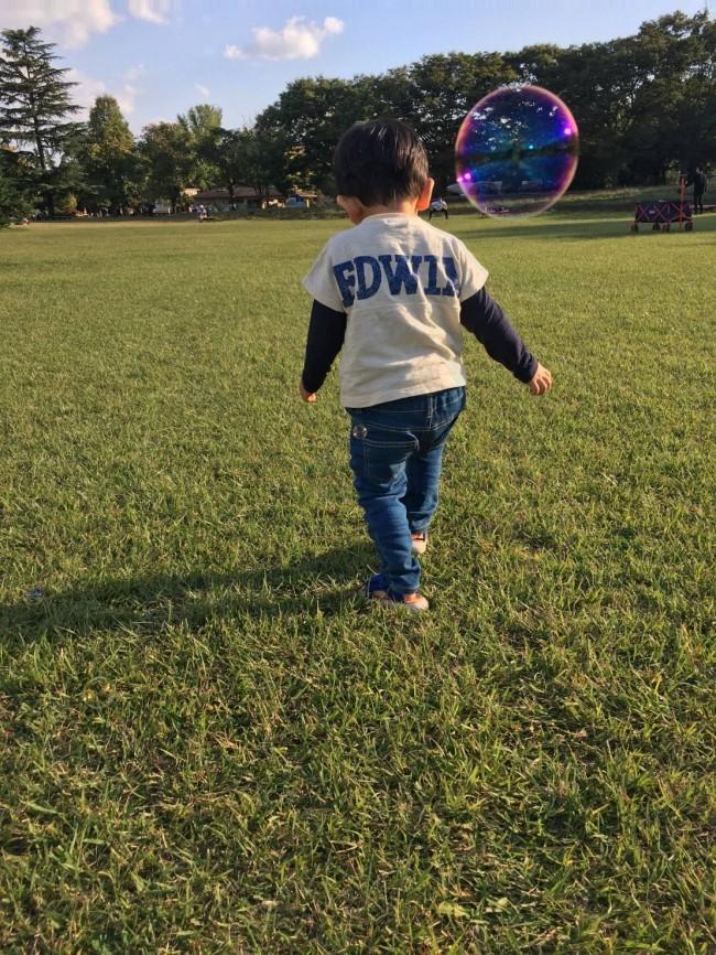 やっぱり外で遊ぶのは楽しいね! 親子とも、笑顔で公園遊びができますように♪