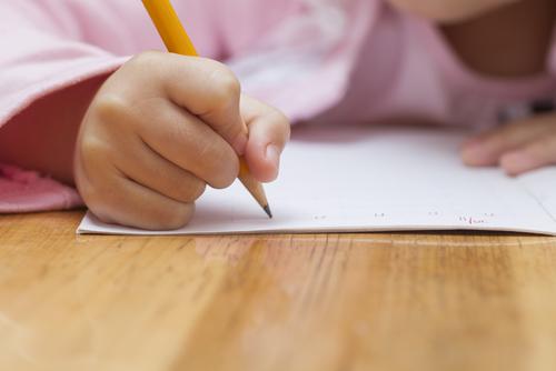 上手に字を書けることだけでなく、礼儀や正しい姿勢なども身につきます