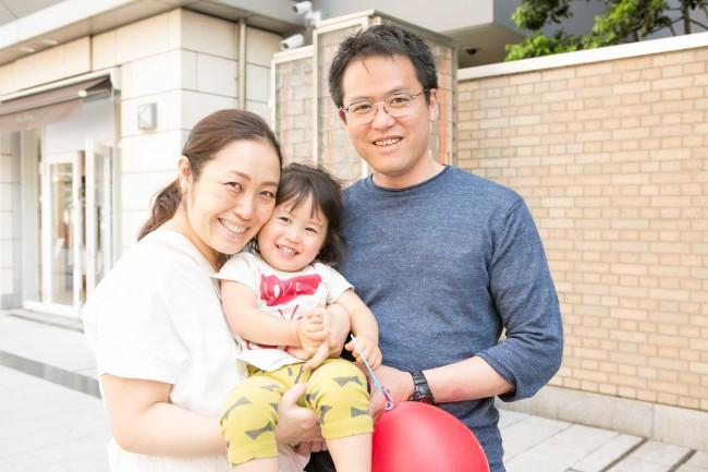 可奈子さんは妊娠7ヶ月のマタニティママ。ニコニコな凜友ちゃん、おねえちゃんになるのが楽しみですね♡