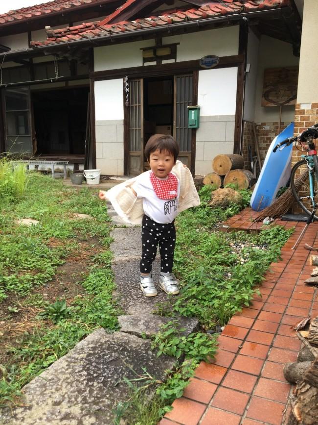 家族で福島へ移住してきてからはじめての秋冬。東京より一足早く衣替えしました