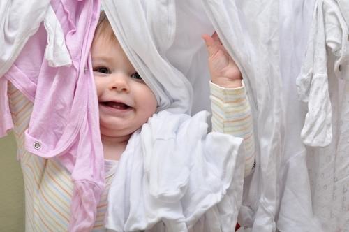 6e81fafe51e0e ベビーの服はいつまで分けて、洗うべき? 我が家はなんとな〜く1歳までが目安。1歳を過ぎる